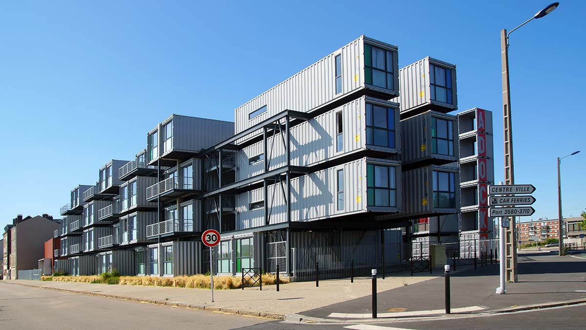 migration-container-building-1